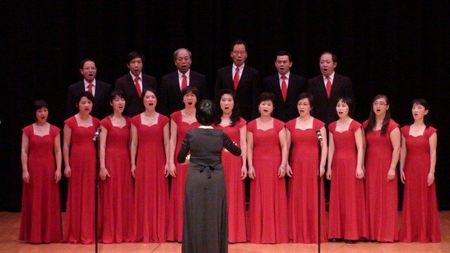 Happy_Valley_Chinese_Choir_Performance_Whose_Mouth_is_the_Biggest-640x360